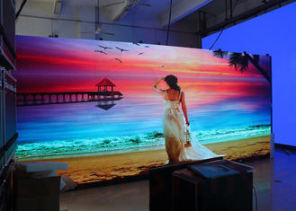 China P2.5 Indoor Advertising Display , Led Video Screen Rental Full Color 1R1G1B supplier