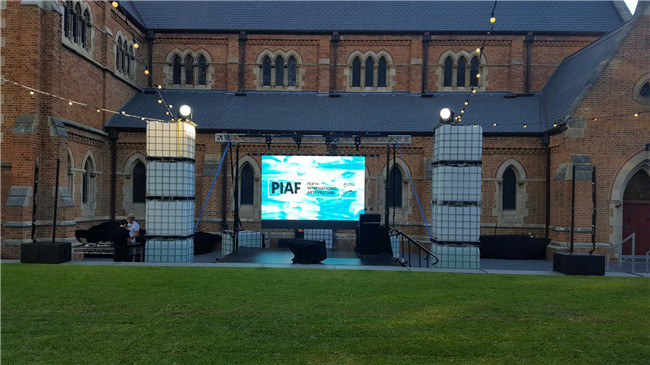 HD 6mm Outdoor Led Video Wall , Building / Stadium Perimeter LED Display